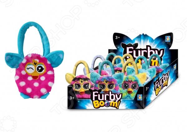 Сумочка детская 1 Toy Furby Т57553Аксессуары к одежде для детей<br>Сумочка детская 1 Toy Furby Т57553 - яркий стильный аксессуар, станет прекрасным подарком для вашей малышки. Модель выполнена из мягкого длинного крашеного меха высокого качества, принт которого абсолютно идентичен интерактивному Furby. Маленькой моднице обязательно красивая красочная сумочк в форме любимого героя, тем более, что теперь она сможет положить туда и взять с собой свои любимые игрушки куда угодно: на прогулку, в садик или в гости. Модель имеет удобные и приятные на ощупь ручки. Размер сумочки - 12 см.<br>