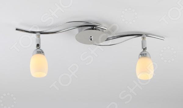 Светильник настенно-потолочный Rivoli Capri-W С-2 это светильник, способный служить как дополнительным, так и основным источником света в небольшой комнате . Потолочный светильник подходит для комнаты с низким потолком, поскольку занимает совсем немного места. Дизайн светильника это важный акцент интерьера. Вместе с бра или подсветкой он создает интересный световой ансамбль, преображающий комнату. Два варианта установки: настенное или потолочное.