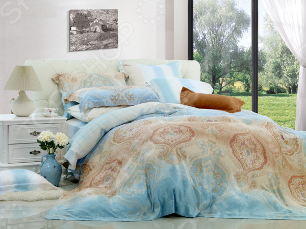 Комплект постельного белья La Vanille 577. ЕвроЕвро<br>Комплект постельного белья La Vanille 577 это незаменимый элемент вашей спальни. Человек треть своей жизни проводит в постели, и от ощущений, которые вы испытываете при прикосновении к простыням или наволочкам, многое зависит. Чтобы сон всегда был комфортным, а пробуждение приятным, мы предлагаем вам этот комплект постельного белья. Приятный цвет и высокое качество комплекта гарантирует, что атмосфера вашей спальни наполнится теплотой и уютом, а вы испытаете множество сладких мгновений спокойного сна.  Комплект выполнен из ткани, состоящей на 100 из хлопка, и обладает следующими преимуществами:  Мягкий и приятный на ощупь материал отличается высокой гигроскопичностью и хорошо пропускает воздух.  Рисунок нанесен на ткань с применением современных технологий печати, что делает его не только выразительным, но и долговечным.  Натуральный материал гипоаллергенен и безопасен для здоровья.  Особое переплетение нитей ткани повышает устойчивость к легким механическим повреждениям.  Тип ткани поплин. Своими свойствами он напоминает бязь, однако на ощупь более мягкий и гладкий. Секрет заключается в использовании более тонких нитей, расположенных плотно друг к другу. Перед первым применением комплект постельного белья рекомендуется постирать. Перед этим выверните наизнанку наволочки и пододеяльник. Для сохранения цвета не используйте порошки, которые содержат отбеливатель. Рекомендуемая температура стирки 30 С без использования кондиционера или смягчителя воды. Обновите свою кровать таким комплектом постельного белья, и интерьер вашей комнаты заиграет новыми красками.<br>
