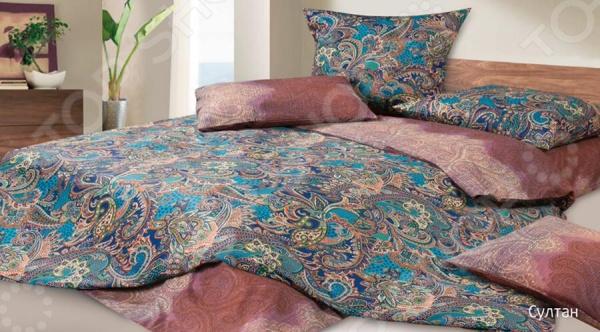 Комплект постельного белья Ecotex «Султан». 1,5-спальный1,5-спальные<br>Комплект постельного белья Ecotex Султан это незаменимый элемент вашей спальни. Человек треть своей жизни проводит в постели, и от ощущений, которые вы испытываете при прикосновении к простыням или наволочкам, многое зависит. Чтобы сон всегда был комфортным, а пробуждение приятным, мы предлагаем вам этот комплект постельного белья. Красивое оформление и высокое качество комплекта гарантируют, что атмосфера вашей спальни наполнится теплотой и уютом, а вы испытаете множество сладких мгновений спокойного сна. В качестве сырья для изготовления этого изделия использованы нити хлопка. Натуральное хлопковое волокно известно своей прочностью и легкостью в уходе. Волокна хлопка состоят из целлюлозы, которая отлично впитывает влагу. Хлопок дышит и согревает лучше, чем шелк и лен. Не забудем, что хлопок несъедобен для моли и не деформируется при стирке. Комплект постельного белья выполнен из ткани сатин-комфорт. Полотно имеет гладкую и шелковистую лицевую поверхность, не уступающую по качеству шелку. Кроме того, данный тип ткани сохраняет свою прочность и привлекательный вид даже после многочисленных стирок. Главное, соблюдать рекомендации по уходу от производителя. Необходимо стирать при температуре, указанной на ярлычке, с использованием порошка для цветного белья. Не следует прибегать к применению хлорсодержащих средств и отбеливателей. Желательно выворачивать белье наизнанку перед стиркой. Постельное белье относится к коллекции Гармоника , сочетающей в себе свежие дизайнерские решения и высококачественные материалы.<br>