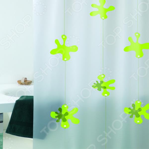 Штора для ванной Bacchetta SpotКарнизы. Шторки для ванной<br>Штора для ванной Bacchetta Spot красивый и практичный аксессуар, без которого невозможно представить ни одну современную ванную комнату. Штора не только привносит уют в интерьер этой комнаты, но и надежно защищает стены и пол от излишней влаги, брызг и капель воды. Изделие выполнено из 100 ПВХ, который отличается прекрасными влагонепроницаемыми свойства. Штора легко моется и быстро высыхает, поэтому не подвержена отсыреванию и появлению плесени. При производстве не используются хлор и другие вредные вещества, благодаря чему штора полностью экологична и безопасна для вашего здоровья. Штора для ванной довольно плотная. Она не будет раздуваться, словно парус, от потоков горячего воздуха. Верхний край усилен и оснащен специальными отверстиями для колец. Штора имеет интересный контрастный рисунок, который нанесен в соответствии с современными водозащитными технологиями. Он надолго сохранит свой первоначальный цвет и насыщенность. Изделие не мнется. В комплекте также предусмотрены кольца для крепления. Штора проста в уходе. Её можно стирать при температуре не выше 30 C, не используя при этом отбеливатели и другие абразивные вещества. Не следует тереть, отбеливать, гладить или отжимать.<br>
