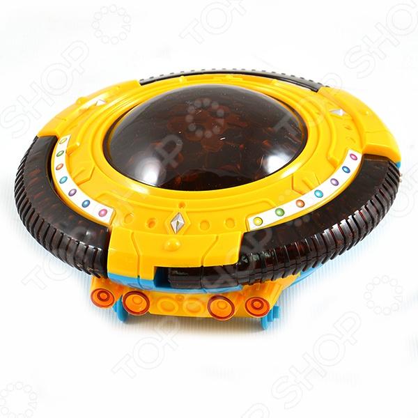 Игрушка со светозвуковыми эффектами Shantou Gepai «НЛО» 598-6Самолеты. Вертолеты<br>Игрушка НЛО 598-6 представляет собой реалистичную копию летающей тарелки пришельцев. Модель выпущена известной компанией по производству игрушек Shantou Gepai. Космический корабль изготовлен из пластика и обладает потрясающей детализацией. Оснащен световыми и звуковыми эффектами, что сделает игровой процесс еще более захватывающим. Яркое НЛО разнообразит игровые ситуации, откроет новые сюжеты для маленького покорителя космоса и поможет развить мелкую моторику рук, внимание, воображение и координацию движений. Не упустите шанс порадовать ребенка замечательным подарком!<br>