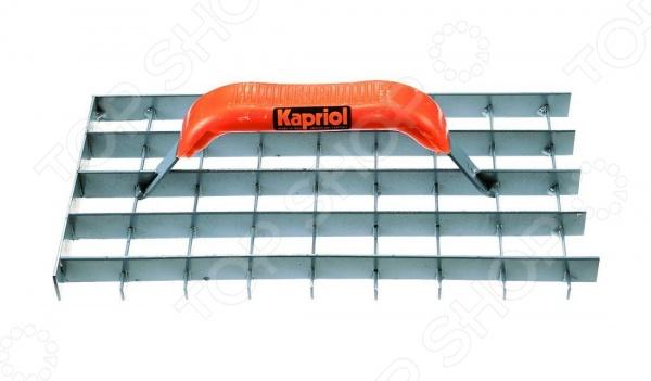 Терка штукатурная KapriolДругой отделочный инструмент<br>Терка штукатурная Kapriol представляет собой отличный инструмент, с помощью которого вам удастся выполнить все необходимые работы качественно и в срок. Применяется на финальном этапе выравнивания пористого бетона и других подобных растворов. Удобная ручка и сетчатая рабочая поверхность делают ее применение удобным и долговечным.<br>