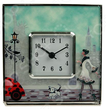 Часы настольные «Модница» 78840Часы настольные<br>Часы настольные Модница 78840 стильная и практичная модель, которая станет отличным дополнением вашего домашнего или офисного интерьера. Главная особенность данной модели настольных часов заключается в стильном и современном дизайне. Эти часы не только укажут вам точное время, но и украсят интерьер и принесут в него что-то новое. Часы оснащены кварцевым механизмом, который обеспечит качественную и бесперебойную работу. Питание осуществляется за счет батареек типа АА. Сочетание таких материалов как акрил, стекло, сплав олова и металл делают корпус довольно изящным и элегантным. При использовании часов следует проявить осторожность и по мере возможности избегать падений, так как в конструкции присутствует стекло. За часами легко ухаживать, достаточно регулярно удалять пыль сухой и мягкой тканью. Такие настольные часы станут оригинальным и неповторимым подарком для ваших родных, друзей, коллег!<br>