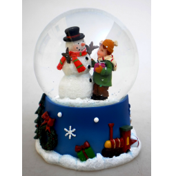 фото Снежный шар декоративный Crystal Deco «Снеговик с мальчиком»