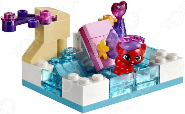 Конструктор LEGO «Королевские питомцы. Жемчужинка»Конструкторы LEGO<br>Конструктор LEGO Королевские питомцы. Жемчужинка оригинальный комплект, состоящий из деталей, с помощью которых можно собрать бассейн с водной горкой и вышкой для котенка Ариэль. Все детали выполнены из нетоксичных материалов, поэтому полностью безопасны. Детский конструктор является достаточно практичным учебным пособием, так как он развивает память, мышление, логику, фантазию, а также моторику рук. Сборка конструктора подарит ребенку массу удовольствия и приятное времяпрепровождение. Преимущества:  Множество оригинально выполненных элементов.  Увлекательный процесс сборки.  Качественный материал.<br>