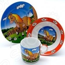 Набор посуды для детей Loraine «Лошадка»Посуда для детей<br>Набор посуды для детей Loraine Лошадка включает в себя три предмета суповую тарелку диаметром 15 сантиметров, обеденную тарелку диаметром 17,5 сантиметров и кружку объемом 230 мл. Это будет личный набор посуды для вашего малыша. Ребенку обязательно понравится яркая расцветка и веселый рисунок на посуде.<br>