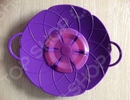Крышка для кастрюли Wonder Life WL-LID-N-26Крышки для посуды<br>Крышка для кастрюли Wonder Life WL-LID-N-26 невероятно удобное и практичное изделие, которое сделает приготовление любого блюда самым настоящим праздником. Изготовленная из высококачественного силикона крышка абсолютно безвредна для здоровья человека, не содержит токсичных компонентов и не имеет неприятного запаха. Используя такое изделие вы можете забыть о том, что процесс приготовления должен тщательно контролироваться. Теперь, пока варится молоко и готовится бульон, вам не нужно стоять жандармом возле плиты и не отходить от нее ни на шаг появится время, чтобы заняться другими полезными вещами. Образующаяся пена будет скапливаться на стенках крышках, а поверхности плиты и пола теперь значительно дольше будут оставаться чистыми. Данное изделие также можно использовать в качестве мини-пароварки. Для этого необходимо лишь разместить на нем овощи в то время, как в кастрюле что-нибудь варится. В итоге вы получаете сразу два блюда и минимум грязной посуды.<br>