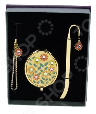 Подарочный набор La Geer 61167Подарки для второй половинки<br>Подарочный набор La Geer 61167 отличный вариант для скромного подарка. Набор состоит из брелка, небольшого зеркала и закладки для книги. Все предметы украшены декоративными элементами. Подойдет для подарка женщине на 8 марта, день рождения или на день влюбленных.<br>