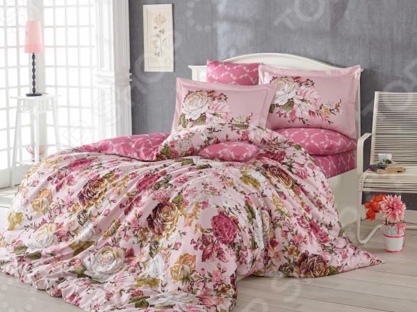 Комплект постельного белья Hobby Home Collection Rosanna. Цвет: розовый. СемейныйСемейные<br>Здоровый и комфортный сон зависит не только от того насколько удобные и мягкие ваш матрас и подушка. Не в последнюю роль играет постельное белье, на котором вы спите каждый день. Очень важно при выборе постельного белья ориентироваться не только на его цену и яркий дизайн, но и на качество, и плотность, тип материала. Жесткие и плотные ткани, пусть даже и натуральные, не подходят для ежедневного использования, ведь они могут причинить коже удивительный дискомфорт, вызвав её покраснения и раздражения. На такой постели также часто образуются катышки, которые в конец портят внешний вид белья и ваше настроение. Постельное белье премиум качества! Комплект постельного белья Hobby Home Collection Rosanna. Цвет: розовый роскошное, современное сатиновое постельное белье, которое покорит вас своей красотой, элегантностью, прочностью и изысканностью. Благодаря тому, что эта ткань изготавливается из натурального хлопкового материала комбинированного плетения, он сочетает в себе прочность, легкость и удивительную износоустойчивость! 90 переплетений нитей на один квадратный сантиметр делают сатин плотным. Эта ткань относится к категории премиум тканей и носит название хлопкового шелка , поэтому идеально подходит для повседневного использования. Белье из такой ткани имеет благородный блеск, утонченный внешний вид и дарит приятные прикосновения.  Выбирайте для вашего дома только самое лучшее! Этот комплект постельного белья обладает рядом достоинств, которые вы сможете высоко оценить:  сатиновое постельное белье не электризуется и практически не мнется;  за счет шероховатой поверхности изнаночной стороны не скользит по кровати;  плотное переплетение крученых нитей позволяет белью сохранить свою первоначальную форму даже после многочисленных стирок;  прекрасно пропускает воздух и впитывает влагу;  натуральные хлопковые волокна являются неблагоприятной средой для размножения пылевых клещей и 