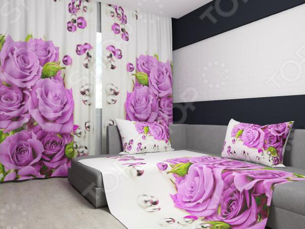 Комплект: фотошторы и покрывало Сирень «Розы и жемчуг»Фотошторы<br>Комплект: фотошторы и покрывало Сирень Розы и жемчуг элемент, способный украсить и оживить интерьер любой комнаты. Застелите ваш диван или кровать этим покрывалом, и привычная мебель станет еще уютнее, чем раньше. А шторы, выполненные в едином стиле с покрывалом, станут завершающим штрихом в оформлении комнаты. При этом такой комплект может стать хорошим подарком близкому человеку. В комплекте вы найдете:  Две фотошторы, размер каждой из которых составляет 145х260 см 3 см .  Покрывало размером 145х220 см 3 см . Оцените основные преимущества комплекта из коллекции бренда Сирень :  Оригинальный дизайн придаст изюминку интерьеру.  Сделано из качественных износостойких материалов. Изображение на ткани долго не линяет и не выгорает.  Рисунок нанесен на материал при помощи специальной технологии, создающей эффект 3D. Смотрится очень эффектно. Покрывало и шторы выполнены из ткани габардин, состоящей на 100 из полиэстера. На поверхности полотна заметны диагональные рубчики, полученные в результате саржевого плетения в процессе производства. В результате изделие отличается своей прочностью и долговечностью, сохраняет первоначальный вид в течение длительного времени. Рекомендуется ручная стирка при температуре 30 C или в стиральной машине в деликатном режиме. Шторы крепятся при помощи шторной ленты под крючки .<br>