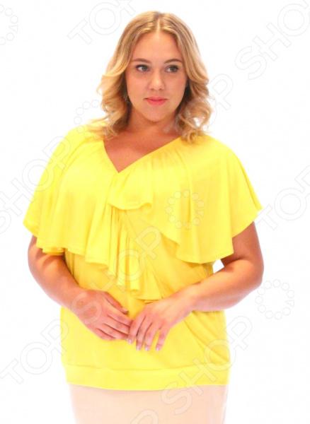 Блуза Матекс «Амандина». Цвет: желтыйБлузы. Рубашки<br>Блуза Матекс Амандина незаменимая вещь в гардеробе модницы. Создана для женщин практически любой комплекции, ведь особенности кроя помогают скрыть недостатки и подчеркнуть достоинства фигуры. Эта блуза отлично подойдет для повседневного использования, она хорошо сочетается с юбками и брюками.  Удобная длина на уровне бедер будет идеально смотреться на женщинах с любым типом фигуры и любого возраста.  V-образный вырез горловины, красиво подчеркивает область декольте.  Внизу идет манжет в тон изделия.  На фото модель представлена с юбкой Венера . Блуза сшита из приятного трикотажа 95 вискоза, 5 полиэстер . Материал не линяет, не скатывается, формы от стирки не теряет.<br>