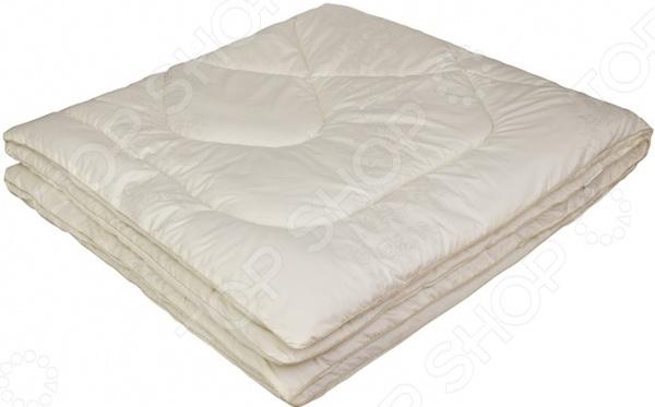 Одеяло Ecotex «Овечка-Комфорт»Одеяла<br>Одеяло Ecotex Овечка-Комфорт высококачественное изделие, которое подарит вам уют, тепло и здоровый сон. Чехол одеяла изготовлен из натуральной микрофибры. Этот материал отличается надежностью, прочностью и легкостью ухода изделие после стирки достаточно быстро сохнет и не деформируется. В качестве наполнителя используется натуральная овечья шерсть. Этот природный материал формирует идеальный микроклимат для отдыха и сна. Волокна шерсти обеспечивают циркуляцию воздуха, хорошо впитывают влагу, накапливают тепло, но не создают эффект парника . Поэтому изделие можно использовать как в теплый, так и в холодный сезон года. В составе шерсти имеется натуральный компонент ланолин, содержащийся в достаточно большом количестве. Он оказывает благоприятное воздействие на кожу, делая ее упругой и улучшая цвет. Ланолин также способствует укреплению мышечного корсета и улучшению работы суставов. Шерстяное одеяло подарит вам драгоценные часы крепкого сна и отдыха от каждодневных забот.<br>