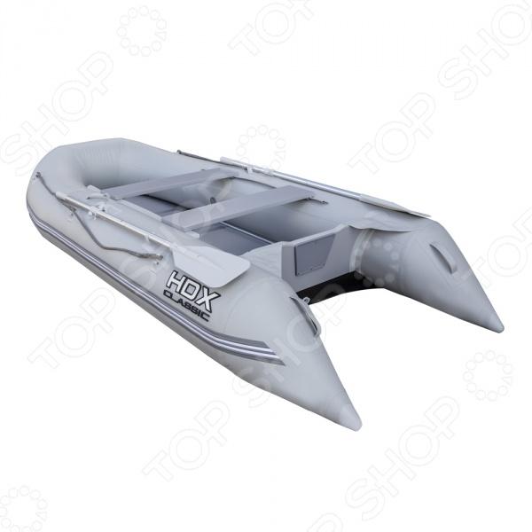 Лодка надувная HDX Classic 280 P/LЛодки надувные<br>Лодка надувная HDX Classic 280 P L предназначена для людей, которые ведут активный образ жизни и очень любят рыбалку. Представленная модель сочетает в себе как возможности гребной лодки, так и моторной. Она изготовлена из высококачественного ПВХ высокой плотности. Этот материал отличается прекрасными эксплуатационными характеристиками и устойчивостью к истиранию. Лодка может выдержать до 384 кг, потому в ней будет комфортно сразу трем пассажирам. Устойчивость на воде гарантируют 3 отсека и алюминиевые стрингеры. На бортах закреплен страховочный леер. На полу лодки составной щитовой пайол из морской фанеры.<br>