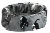 Лежанка для кошек Beeztees 705601 PussyЛежанка для кошек Beeztees 705601 Pussy - оригинальная лежанка круглой формы станет любимым местом обитания вашего питомца. Удобная и практичная модель позволит уютно и с комфортом отдохнуть животному, для того что бы он с новыми силами приступил к покорению новых вершин. Модель выполнена из прочных и безопасных материалов.<br>