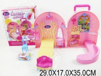 Кукольный дом с аксессуарами Shantou Gepai 623750Кукольные домики. Мебель<br>Кукольный дом с аксессуарами Shantou Gepai 623750 это отличный подарок для любой девочки. В таком домике ее любимые куклы смогут жить в комфорте. Девочки смогут самостоятельно моделировать различные сюжетные игры и ситуации в домике со своими любимыми куклами. По сути это чемоданчик, который раскладывается в домик с мебелью. Подходит для кукол 29 см.<br>