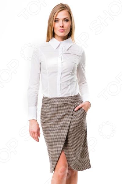 Юбка Mondigo 5092. Цвет: какаоЮбки<br>Юбка Mondigo 5092 прекрасная вещь для создания изящного женственного образа. Удобная юбка сделана из легкой и приятной на ощупь ткани, поэтому прекрасно подойдет для повседневного использования. В ней вы будете чувствовать себя блистательно как на работе, так и на прогулке по городу.  Оригинальный фасон. Передняя часть изделия идет внахлест с округленными краями.  Стильный принт гусиная лапка .  В боковых швах имеются скрытые карманы.  Сзади расположена застежка на молнию.<br>