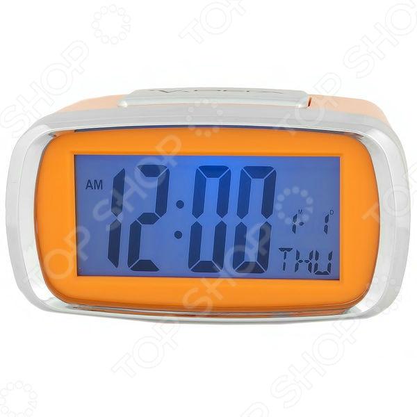 Часы настольные Вега HS 2726Часы настольные<br>Часы настольные Вега HS 2726 стильная и практичная модель, которая станет отличным дополнением вашего домашнего или офисного интерьера. Часы оснащены электронным механизмом, который обеспечит качественную и бесперебойную работу. Простой и понятный дизайн часов не будет вас отвлекать от важных дел, а функция будильника с повтором напомнит вам о том, что нужно собираться. Для большего удобства прибор оснащен подсветкой, которая позволит увидеть время даже ночью или вечером. Также предусмотрена функция даты. Надежный корпус выполнен из пластика, поэтому за ним легко ухаживать. Благодаря компактному размеру, часы поместятся в любом уголке вашего дома<br>