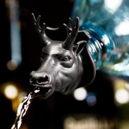 фото Дозатор для бутылок Suck UK Deer