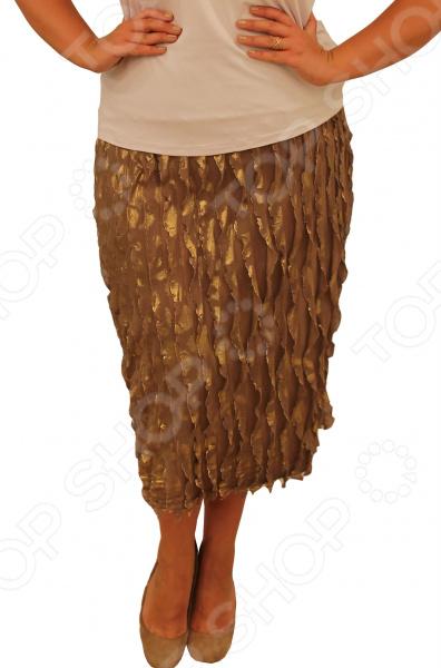 Юбка Элеганс «Клавдия». Цвет: бежевыйЮбки<br>Юбка Элеганс Клавдия прекрасная вещь для создания легкого женственного образа, которая идеально впишется в ваш гардероб. Удобная юбка сделана из легкой и приятной на ощупь ткани, поэтому прекрасно подойдет для повседневного использования.  Продуманный фасон скрывает недостатки в области живота и бедер.  Подойдет для любого типа фигуры.  Удобный пояс на широкой резинке не стесняет движений.  Швы обработаны текстурированными эластичными нитями, поэтому не тянутся и не натирают кожу. Юбка сшита из ткани масло 95 полиэстер, 5 эластан . Материал отлично выдерживает многократные стирки, сохраняет форму и цвет.<br>