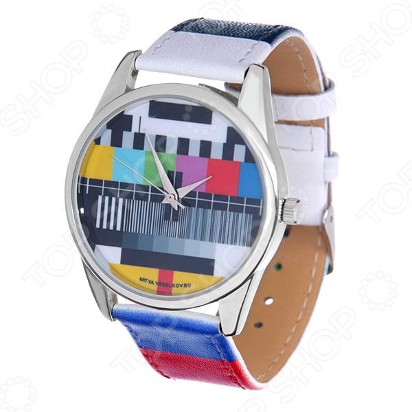 Часы наручные Mitya Veselkov «ТВ-сетка» ARTНаручные часы унисекс<br>Часы наручные Mitya Veselkov ТВ-сетка ART стильный аксессуар, который дополнит ваш образ. Сочетаются с необычной и яркой одеждой. Часы выполнены в оригинальном стиле в сочетании с приятными и мягкими тонами, которые добавляют настроение. Дизайн и ручная сборка Митя Весельков. Снабжены регулируемым под запястье ремешком из натуральной кожи с классической застежкой. Часовой механизм: кварцевый, Citizen Япония . Стекло минеральное с PVD покрытием. Корпус изготовлен из сплава металлов, а крышка из стали.<br>