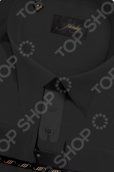 Сорочка Mondigo 50000302. Цвет: черный была и остается классикой мужской моды. Она может считаться показателем отменного вкуса и элегантности её владельца. Эта стильная мужская сорочка будет превосходно смотреться как в рамках делового, так и неформального стиля. С её помощью вы без труда сможете создать уникальный образ, который будет выгодно выделять вас среди остальных мужчин. Данная модель относится к изделиям зауженного кроя, поэтому она отлично подчеркнет ваш силуэт. Несмотря на универсальный черный цвет, с этой сорочкой вы сможете составить нескучный образ, который будет уместно смотреться и в офисе, и на торжественных мероприятиях. Особенности сорочки Mondigo 50000302:  небольшой отложной воротник, который идеально подходит для гластука-бабочки;  длинный рукав;  передняя часть украшена гофрированной вставкой;  манжеты выполнены под запонку. Сорочка Mondigo 50000302 выполнена из высококачественного натурального хлопка, поэтому её будет приятного держать в руках, носить, удобно стирать и легко гладить. Изделие отлично подходит для повседневной носки. Она долго вам прослужит, выдерживая при этом многочисленные стирки. Для большей прочности в структуру добавлены волокна искусственного материала, которые обеспечивают прекрасные износоустойчивые характеристики сорочки.