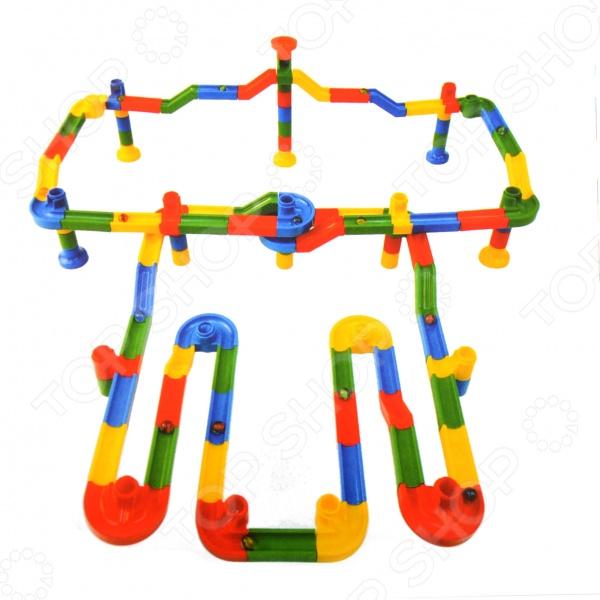 Конструктор Toto Toys RolliblockДругие виды конструкторов<br>Конструктор Toto Toys Rolliblock это конструктор для детей, в котором найдутся все необходимые детали для создания модели с картинки или той, которую захочет собрать ребенок. Представленный набор может стать первым шагом ребенка в мире конструирования лабиринтов, а после запустить по нему шарик. Запустив по собранному лабиринту шарик, ребенок увидит как он крутится в воронке, приводит в движение колесики или скатывается вниз по ступенькам. Конструкторы такого типа развивают пространственное и логическое мышление, фантазию, творческие способности и мелкую моторику рук.<br>