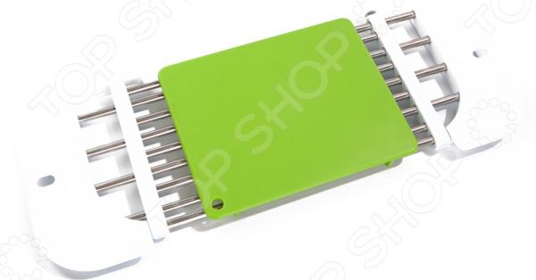 Подставка на раковину с разделочной доской Bradex Draining RackДиспенсеры. Подставки для губки<br>Подставка на раковину с разделочной доской Bradex Draining Rack полезное приспособление, которое увеличит рабочее пространство на кухне и значительно облегчит приготовление блюд. Основной каркас подставки выполнен из прочной нержавеющей стали, верхняя накладка из пластика. Конструкция изделия регулируемая вы всегда сможете изменить размер каркаса с учетом величины раковины. В сложенном виде подставка занимает минимум места, поэтому она прекрасно впишется даже в небольшую кухню и обновит ее интерьер. Вместе с этим изделием вашем больше не придется проходить через всю кухню с мокрыми овощами, оставляя на полу капли воды. Максимальная нагрузка на подставку 5 кг, размер подставки 46-71х18х2 см, размер доски 20х16 см.<br>