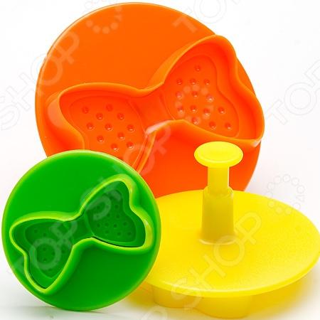 Набор форм для печенья Mayer&amp;amp;Boch «Бантик»Формы для печенья<br>Набор форм для печенья Mayer Boch Бантик станет прекрасным приобретением для тех, кто любит создавать кулинарные шедевры собственными руками. В набор входят три разноцветные форы с вырубками для создания роскошных бабочек или бантиков из мастики или марципана. С их помощью вы также сможете создавать оригинальные украшения для ваших десертов или изготавливать необычное фигурное печенье. Формы с поршнями выполнены из качественного пищевого пластика экологически чистого материала, совершенного безопасного для вашего здоровья.<br>