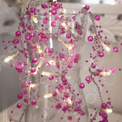 Гирлянда на батарейках Star Trading ЖемчугГирлянды<br>Гирлянда на батарейках Star Trading Жемчуг поможет создать праздничное новогоднее настроение и принесет радость всем окружающим. Этой гирляндой с цветами можно украсить комнату в квартире или праздничный зал. Гирлянда с плафонами в виде цветов поможет по-настоящему ощутить праздничное новогоднее настроение детям и взрослым. Гирлянда работает от 3 батареек типа АА. Батарейки в комплект не входят.<br>