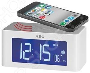 Радиочасы AEG MRC 4140 домашние часы, выполненные в современном стиле, со встроенной функцией воспроизведение FM волн, которые дадут вам возможность просыпаться по утрам под любимое радио-шоу. Оснащена функцией поэтапной настройки будильника - если вы не проснулись вы первый раз, то устройство включится еще раз через некоторое время. Основные функции часов:  Отображение времени, даты и температуры в помещении  Цифровой PLL тюнер FM, 6 ячеек памяти  Два времени будильника, повтор сигнала режим дремать с программируемым интервалом 5 - 60 мин  Выбор сигнала пробуждения радио, зуммер, звуки природы  Таймер автоматического отключения до 90 минут  Также предусмотрена функция отложенного отключения устройства. Трансляция музыки производится посредством беспроводной связи. Достаточно просто положить источник звука смартфон, телефон на верхнюю панель устройства и музыка начнет играть.