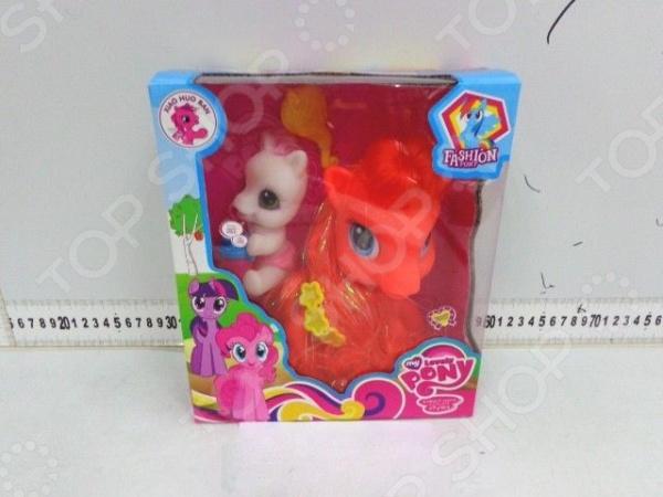 Набор игровой для девочки «Пони»Игровые наборы для девочек<br>Набор игровой для девочки Пони станет великолепным подарком для всех маленьких поклонниц мультфильмов и игрушек серии My Little Pony, ведь комплект содержит сразу две фигурки: маленькую и большую лошадку! Комплект позволит ребенку в процессе игры развивать мелкую моторику рук и выдумывать разнообразные истории, используя всю силу воображения. Игрушки выполнены из прочных нетоксичных материалов, поэтому полностью безопасны для девочки.<br>