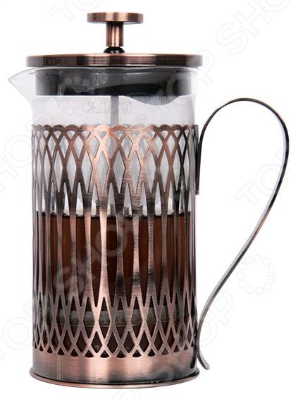 Френч-пресс TalleR «Купер»Френч-прессы<br>Френч-пресс TalleR Купер из высококачественной нержавеющей стали с медным покрытием. Изделие отличается прочностью и устойчиво к деформации, воздействию влаги, кислот и щелочей. Используемые материалы не искажают вкус напитка, сохраняют его цвет и запах. Благодаря использованию специального термостойкого стекла содержимое пресса длительное время сохраняет тепло, устойчиво к появлению царапин. Этот материал всегда сохраняет свою прозрачность и не впитывает запахи. Пресс-механизм представлен усовершенствованной технологией, благодаря чему фильтр плотнее прилегает к колбе, а размеры его ячеек способствуют более качественной фильтрации. Конструкция разборная, поэтому уход за фильтром очень легок. Форма носика препятствует протеканию напитка и загрязнению поверхности. А плотно прилегающая крышка помогает гораздо дольше сохранять аромат напитка. Ручка пресса не нагревается, имеет эргономичную форму, за счет чего ее очень удобно держать в руках.<br>