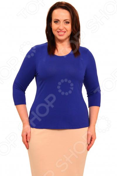 Комплект блузок Матекс «Тутси». Цвет: красный, васильковыйБлузы. Рубашки<br>Комплект блузок Матекс Тутси это классические блузы, которые подойдут для завершения летнего образа или для занятий спортом. Блузу такого типа можно комбинировать с блузками, жакетами, пиджаками и рубашками. В комплекте вы найдете две майки: красную и синюю, а значит один комплект позволит вам подбирать верхнюю одежду практически любых оттенков. Каждая майка отличается классическими параметрами:  Круглый вырез горловины.  Длина блузы на уровне бедер.  На фото майка представлена с юбкой Венера . Майка изготовлена из мягкой ткани 95 вискоза, 5 полиэстер , благодаря полиэстеру материал не скатывается и не линяет после стирки. Даже после длительных стирок и использования эта блуза будет выглядеть идеально. Материал является антистатическим и обладает хорошей воздухопроницаемостью.<br>