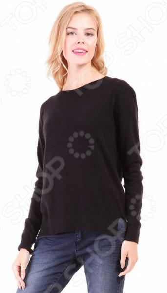 Джемпер Baon B136706. Цвет: черныйДжемперы. Кардиганы. Свитеры<br>Джемпер это не только универсальная, но и весьма демократичная одежда. В зависимости от кроя, цветовой гаммы и рисунка, он может стать частью как классического, так и casual-гардероба. Такая одежда не просто удобна и практична, она еще и легко сочетаема с другими предметами гардероба. Стильно и со вкусом Джемпер Baon B136706 подчеркнет ваш вкус и поможет создать стильный и гармоничный casual-образ. Модель прекрасно подходит для повседневного гардероба и хорошо сочетается с узкими брюками, джинсами, шортами и юбками-карандаш. Благодаря свободному крою и прямым проймам, джемпер можно носить как самостоятельно, так и в комплекте с рубашкой. Черный цвет универсален и хорошо сочетается с другими цветами.  Особенности модели:  свободный крой;  длинные рукава с манжетами;  круглый воротник;  сезон осень-зима. В качестве материала используется трикотаж с добавлением ангоры. Ткань очень мягкая, шелковистая и приятная на ощупь. Добавление к вискозе полиамида делает материал еще более прочным и устойчивым к истиранию. Также стоит отметить высокое качество используемых красителей. Они долго сохраняют свою яркость и не теряют цвет даже после многочисленных стирок.  Будь в тренде! Одежда Baon это синоним качества и стильного современного дизайна. Компания занимается производством как мужской, так и женской одежды. Коллекции соответствуют лучшим европейским трендам, а модели адаптированы под самые актуальные модные тенденции. Хотите выглядеть модно и стильно Тогда вперед за покупками в Baon!<br>