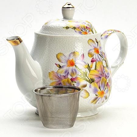 Чайник заварочный Mayer&amp;amp;Boch MB-21139 «Ромашка»Чайники заварочные<br>Чайник заварочный Mayer Boch MB-21139 Ромашка изготовлен из высококачественной керамики. Посуда из данного материала позволяет максимально сохранить полезные свойства и вкусовые качества воды. Украшенные изящным рисунком стенки чайника, придают ему эстетичности на столе. Внутренняя сеточка для заварки также выполняет функцию фильтра, который задержит чаинки. Заварите крепкий, ароматный чай в представленной модели, и вы получите заряд бодрости, позитива и энергии на весь день! Классическая форма и универсальная цветовая гамма изделия позволят наслаждаться любимым напитком в атмосфере еще большей гармонии, эмоциональной наполненности и добавят нотку романтичности. С Mayer Boch MB-21139 Ромашка , вы всегда будете наслаждаться чистым, ароматным чаем со своими родными и близкими.<br>