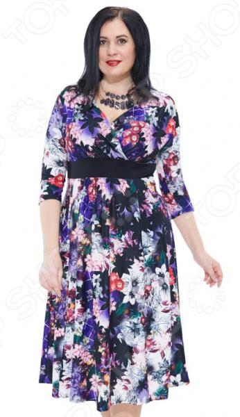 Платье Матекс «Стефания». Цвет: фиолетовыйПовседневные платья<br>Платье Матекс Стефания поможет вам создавать невероятные образы, всегда оставаясь женственной и утонченной. Грамотный крой и цвет скрывают недостатки фигуры и подчеркивают достоинства. В этом платье вы будете чувствовать себя блистательно как на празднике, так и на вечерней прогулке по городу.  Стильное яркое платье с эффектным узором.  Удобные рукава 3 4.  V-образный вырез горловины визуально удлинит шею.  Широкая свободная юбка.  Длина ниже колена.  По линии талии идет однотонный пояс. Платье сшито из приятной ткани, состоящей на 100 из полиэстера; вставки выполнены из другого материала 95 вискоза, 5 полиэстер . Ткань не линяет, не скатывается, формы от стирки не теряет.<br>