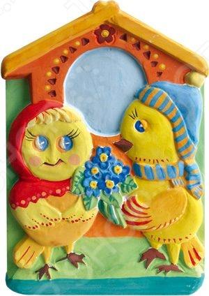 Барельеф Фантазер «Птенцы с цветами»Лепка из гипса, пластики и соли<br>Барельеф Фантазер Птенцы с цветами это красочный барельеф, который позволит вашему ребенку создать прекрасную картину, а также развлечет всю семью. Соберите этот шедевр и вы сможете украсить им стену, закрепить на столе, либо на любой другой поверхности. Используйте специальные формы и быстроотвердевающую смесь, после отливки гипса вы сможете раскрасить детали. Игра отлично развивает мелкую моторику пальцев, логику и пространственное мышление.<br>