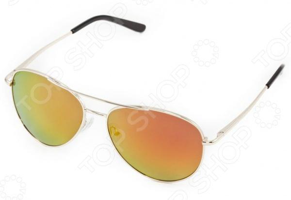 Очки поляризационные Mitya Veselkov MSK-1309-2Очки<br>Очки поляризационные Mitya Veselkov MSK-1309-2 станут прекрасным дополнением к набору ваших аксессуаров. Они прекрасно сидят, имеют классический дизайн и эффективно защищают глаза от ультрафиолетовых лучей. Внешне очки данного типа очень похожи на привычные солнцезащитные, однако на самом деле очень отличаются от них. Главной особенностью линз с поляризацией является их способность блокировать солнечный свет, отраженный от горизонтальных поверхностей. Больше всех эффект поляризации могут оценить люди, которые много находятся за рулем. Мокрый асфальт, водная гладь или заснеженный пейзаж могут нести серьезную опасность, т.к. являются источниками отражений. Попав в такое положение, водитель может на мгновение ослепнуть , а это неминуемо ведет к потере контроля за ситуацией на дороге. Поляризационные очки позволяют вам избавиться от подобных проблем, уменьшая усталость глаз, раздражение сетчатки и повышая, в свою очередь, зрительный комфорт.<br>