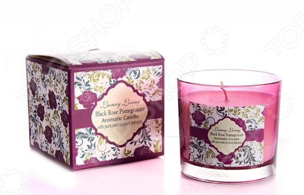 Свеча ароматическая «Чёрная роза и гранат»Свечи. Подсвечники<br>Свеча ароматическая Чёрная роза и гранат изделие, которое привнесет в ваш дом неповторимую атмосферу, подарит ему уют и тепло. Несомненно, свечи беспроигрышный вариант украшения дома, который всегда будет актуален и уместен. С одной стороны, это изящный предмет декора, который можно разместить на полке или столе. С другой стороны, пламя свечи настоящее произведение искусства природы, которое завораживает и восхищает каждого из нас. К тому же, приятный запах, который источает свеча, благоприятно воздействует на нервную систему, успокаивает и расслабляет организм. Это крайне необходимо после напряженного дня или стрессовых ситуаций. Свеча наполнит помещение роскошным ароматом черной розы и свежестью граната, заставив вас забыть о повседневных проблемах и невзгодах. Она размещена в подсвечнике из жаропрочного стекла.<br>