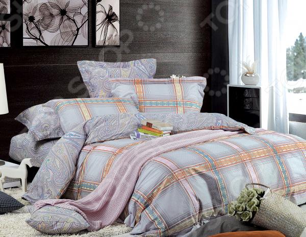 Комплект постельного белья La Vanille 597. ЕвроЕвро<br>Комплект постельного белья La Vanille 597 это незаменимый элемент вашей спальни. Человек треть своей жизни проводит в постели, и от ощущений, которые вы испытываете при прикосновении к простыням или наволочкам, многое зависит. Чтобы сон всегда был комфортным, а пробуждение приятным, мы предлагаем вам этот комплект постельного белья. Приятный цвет и высокое качество комплекта гарантирует, что атмосфера вашей спальни наполнится теплотой и уютом, а вы испытаете множество сладких мгновений спокойного сна.  Комплект выполнен из ткани, состоящей на 100 из хлопка, и обладает следующими преимуществами:  Мягкий и приятный на ощупь материал отличается высокой гигроскопичностью и хорошо пропускает воздух.  Рисунок нанесен на ткань с применением современных технологий печати, что делает его не только выразительным, но и долговечным.  Натуральный материал гипоаллергенен и безопасен для здоровья.  Особое переплетение нитей ткани повышает устойчивость к легким механическим повреждениям.  Тип ткани поплин. Своими свойствами он напоминает бязь, однако на ощупь более мягкий и гладкий. Секрет заключается в использовании более тонких нитей, расположенных плотно друг к другу. Перед первым применением комплект постельного белья рекомендуется постирать. Перед этим выверните наизнанку наволочки и пододеяльник. Для сохранения цвета не используйте порошки, которые содержат отбеливатель. Рекомендуемая температура стирки 30 С без использования кондиционера или смягчителя воды. Обновите свою кровать таким комплектом постельного белья, и интерьер вашей комнаты заиграет новыми красками.<br>