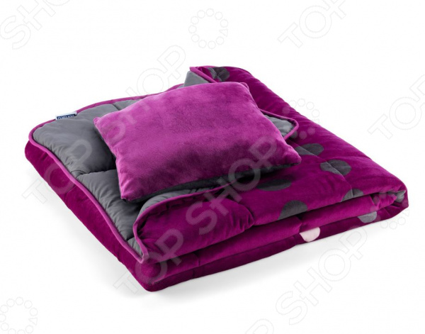 Покрывало для кровати Dormeo Symphony 3 в 1. 2-спальный. Цвет: фиолетовыйОдеяла и пледы<br>Покрывало для кровати Dormeo Symphony 3 в 1 добавит изящества, уюта и гармонии в спальню. С покрывалом для кровати Dormeo Symphony ваша спальня будет современной, красивой и уютной. Именно текстиль привносит в интерьер атмосферу домашнего уюта. Покрывало для кровати будет центральным акцентом в интерьере вашей спальни. Покрывало на кровать не только привносит красоту и уют в вашу спальню, но и защищает постельное принадлежности от пыли и загрязнения. Для удобства хранения одеяло можно свернуть и убрать в чехол, который также идет в комплекте. Так же в комплекте с покрывалом идет декоративная подушка Dormeo Symphony, которая отлично дополнит интерьер. Наполнитель одеяла и подушки микроволокно Wellsleep Wellsleep отличная альтернатива гусиному пуху. Подходит людям, страдающим от аллергии. Уникальная структура микроволокна создает воздушные карманы, добавляя дополнительный объем одеялу, не утяжеляя его. Обеспечивает циркуляцию воздуха. Микроволокна минимально впитывают влагу. Тем самым обеспечивая ощущение свежести и комфорта на протяжении всего сна. Покрывало Лицевая сторона: 100 полиэстер мягкая бархатистая микрофибра . Обратная сторона: 100 полиэстер. Наполнитель: 100 микроволокно Wellsleep . Маленькая подушка Чехол: 100 полиэстер мягкая бархатистая микрофибра . Наполнитель: 100 микроволокно Wellsleep . Наволочка Материал чехла: 100 полиэстер мягкая бархатистая микрофибра .<br>