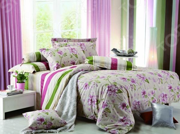 Комплект постельного белья Amore Mio Sangria. Provence. 1,5-спальный1,5-спальные<br>Комплект постельного белья Amore Mio Sangria. Provence это удобное постельное белье, которое подойдет для ежедневного использования. Чтобы ваш сон всегда был приятным, а пробуждение легким, необходимо подобрать то постельное белье, которое будет соответствовать всем вашим пожеланиям. Приятный цвет, нежный принт и высокое качество ткани обеспечат вам крепкий и спокойный сон. 100 полиэстер, из которого сшит комплект отличается следующими качествами:  достаточно мягка и приятна на ощупь, не имеет склонности к скатыванию, линянию, протиранию, обладает повышенной гигроскопичностью, практически не мнется, не растягивается, не садится, не выгорает, гипоаллергенна, хорошо отстирывается и не теряет при этом своих насыщенных цветов;  ворсинки равномерно распределяют статическое электричество;  это самая современная фотопечать, которая прекрасно передает цвет и мельчайшие детали изображения;  за счёт специального переплетения волокон ткань устойчива к механическим воздействиям. Перед первым применением комплект постельного белья рекомендуется постирать. Перед стиркой выверните наизнанку наволочки и пододеяльник. Для сохранения цвета не используйте порошки, которые содержат отбеливатель. Рекомендуемая температура стирки: 40 С и ниже без использования кондиционера или смягчителя воды.<br>