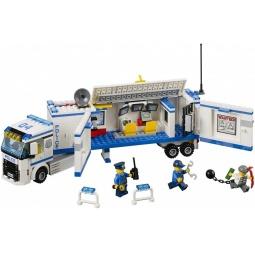 Купить Конструктор LEGO «Выездной отряд полиции»