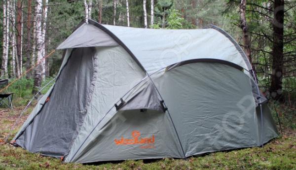 Палатка WoodLand OASIS 3Палатки<br>Палатка WoodLand OASIS 3 двухслойная палатка с двумя входами и большим тамбуром, с надежной конструкцией. Имеет довольно большое спальное отделение. Материал тента гарантирует герметичность и надежность в любой ситуации. Вмещает внутри 3 человека, устанавливается довольно просто, поэтому не создаст дополнительных нагрузок. Достаточно ветроустойчива, но не любит сильный порывистый ветер. Удобные пряжки для регулировки длины оттяжек. Увеличенный тамбур для комфортного размещения поклажи. Швы проклеены специальной лентой для защиты от проникновения воды во время дождя внутрь палатки.  Тент: 100 полиэстер 190T 75D 5000 мм вод. ст.  Каркас: Fiberglass Durapol 8,5 мм.  Палатка: 100 дышащий полиэстер.  Дно: полиэтилен 120 г м2.<br>