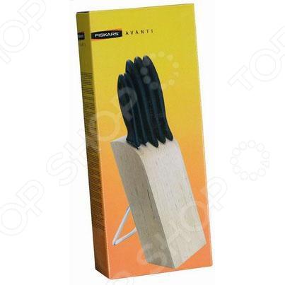 Набор ножей Fiskars Kitchen Smart 837091Ножи<br>Набор ножей Fiskars Kitchen Smart 837091 станет прекрасным дополнением к вашему комплекту аксессуаров и принадлежностей для кухни. Лезвия ножей выполнены из высококачественной нержавеющей стали, имеют особую форму и специальный угол заточки, что обеспечивает удобство при нарезании, разделке и очистке продуктов. В набор входит пять ножей: поварской, кухонный, нож для хлеба, нож для корнеплодов и нож для чистки овощей. Изделия снабжены эргономичными рукоятками, обеспечивающими надежный захват инструментов при работе и препятствующими выскальзыванию ножей из рук. Ножи можно мыть в посудомоечной машине. В комплекте подставка для хранения ножей в вертикальном положении.<br>