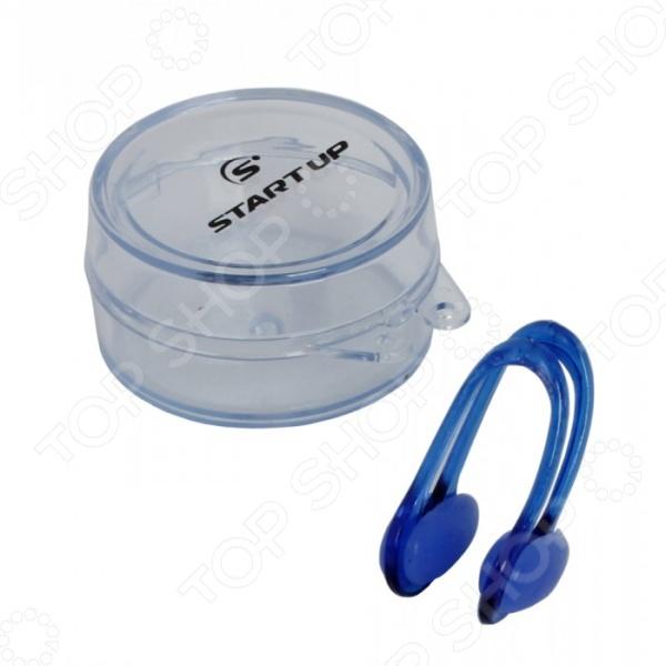 Зажим для носа Start Up АС3. В ассортиментеАксессуары для плавания<br>Товар продается в ассортименте. Цвет изделия при комплектации заказа зависит от наличия товарного ассортимента на складе. Зажим для носа Start Up АС3 для дайвинга, спортивного и синхронного плавания и различных водных спортивных дисциплин. Наличие зажима поможет избежать попадания воды в носоглотку, а значит предотвратит какие-либо возможные воспалительные процессы. Помимо этого, он сделает процесс плавания гораздо более комфортным и приятным. Зажим универсален по размеру, изготовлен из качественных материалов, безопасных для здоровья и не вызывающих аллергической реакции.<br>