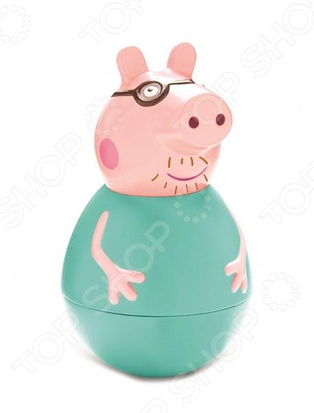 Неваляшка Peppa Pig «Папа Пеппы»Неваляшки<br>Неваляшка Peppa Pig Папа Пеппы прекрасная игрушка, которая относится к категории самообучающих игрушек. Вам не надо учить малыша играть с ней, он самостоятельно поймет что нужно делать. Яркие и красочные цвета, забавные движения вызовут у малыша желание постоянно дотрагиваться и катать неваляшку. Игрушка будет незаменима в развитии логического мышления ребенка, координации движений, мелкой моторики рук, цветового и тактильного восприятия. Неваляшка в виде одного из персонажей мультфильма Свинка Пеппа Папы Пеппы, выполнена из качественного пластизоля, который совершенно безопасен для детского здоровья.<br>