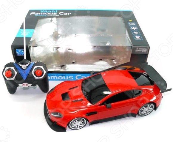 Машина на радиоуправлении Shantou Gepai 627642Машинки, мотоциклы, квадроциклы радиоуправляемые<br>Машина на радиоуправлении Shantou Gepai 627642 станет отличным подарком для юного любителя автомобильных гонок. Модель гоночного автомобиля, выполненная с особым вниманием к деталям, будет изо дня в день радовать ребенка. Игрушка представляет собой пластиковую модель, которая управляется при помощи беспроводного пульта дистанционного управления. Работает от батареек.<br>
