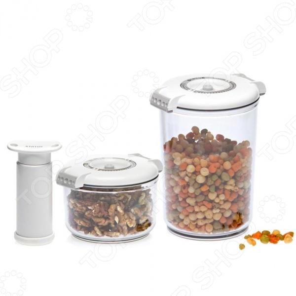 Набор вакуумных контейнеров для продуктов STATUS VAC-RD-RoundКонтейнеры для продуктов и ланч-боксы<br>STATUS VAC-RD-Round это удобный и простой в использовании набор контейнеров. Представленный набор предназначен для хранения пищевых продуктов, поэтому отлично подойдет как для использования дома, так и в дороге. Благодаря вакуумной технологии, пища не подвергается внешнему воздействию, а срок ее хранения значительно увеличивается. Также сохраняются первоначальный вкус и аромат блюд. Контейнеры STATUS VAC-RD-Round оснащены индикаторами даты и изготовлены из абсолютно безопасного материала, который не содержит бисфенол А BPA-Free . Каждое изделие можно использовать для хранения пищи в холодильнике или морозильной камере до -21 C . Кроме того, за контейнерами легко ухаживать, т.к. их можно мыть в посудомоечной машине. Допускается разогрев блюда в микроволновой печи без крышки .<br>